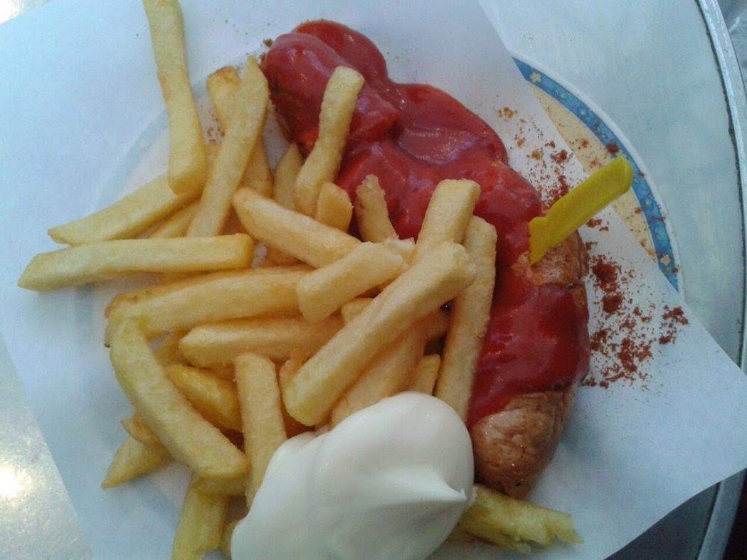 Bier's Kudamm 195 Currywurst