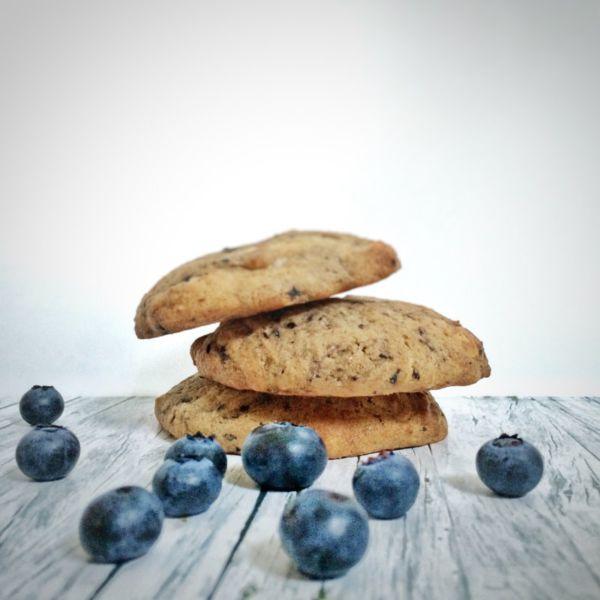 Cookies mit Heidelbeeren und weißer Schokolade