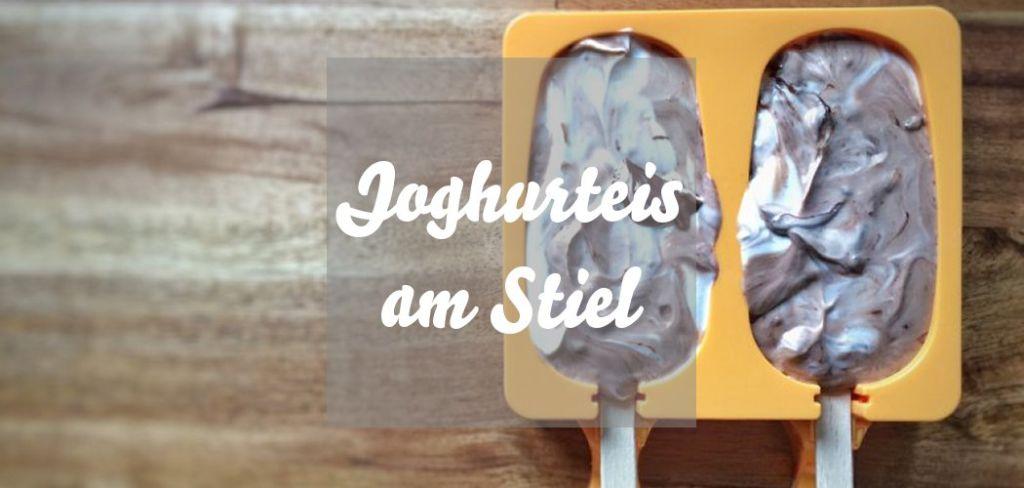 Joghurteis am Stiel
