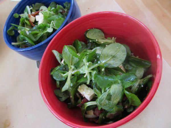 Feldsalat mit Speck und Feta