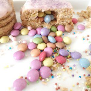 Pinata-Kekse mit Smarties gefüllt
