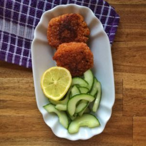 Bulgurbratlinge mit Gurkensalat