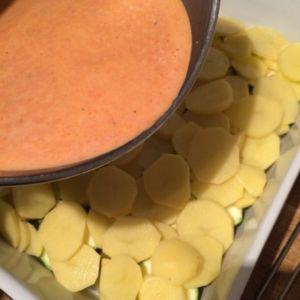 Kartoffel-Zucchini-Auflauf mit Metaxasoße
