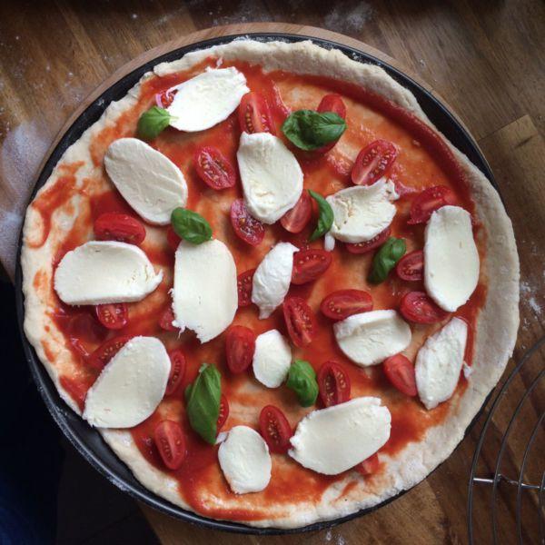 Pizza mit Buttermilch