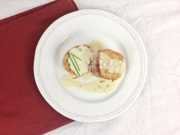 Croissantknödel mit Speck und Gorgonzolasoße