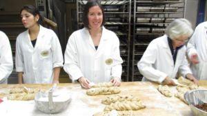 Caro von Caros Küche backt Brot