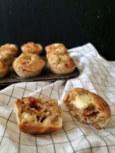 Frühstücksmuffins mit Fetakern