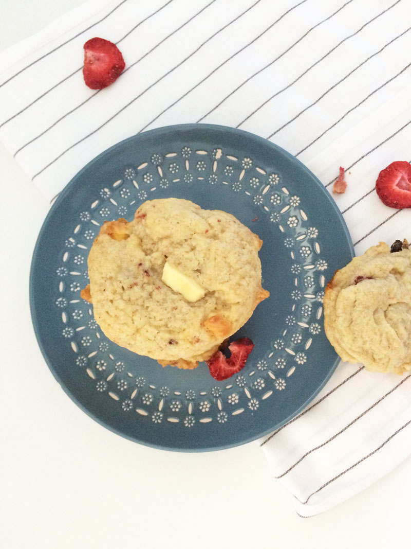 Erdbeercookies mit weißer Schokolade
