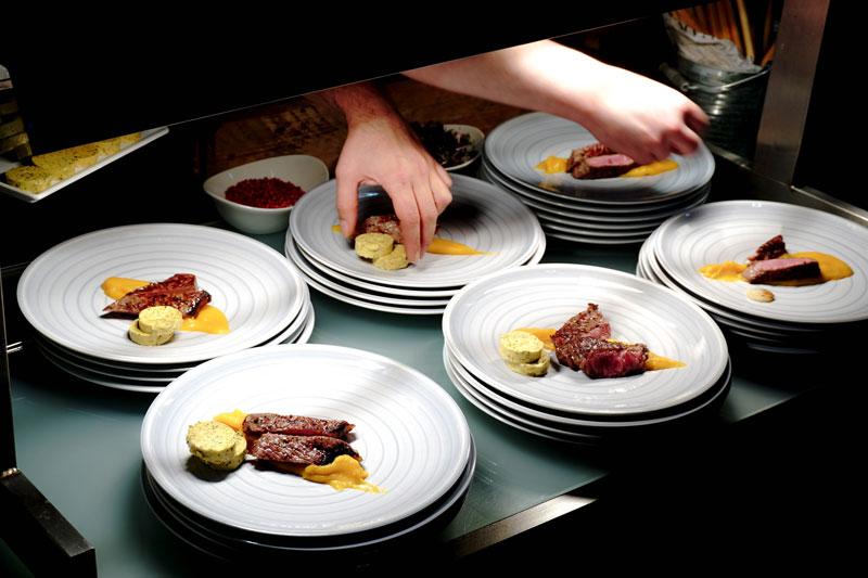 Abendessen aus dem Beefer wird angerichtet