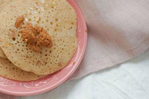 Baghrir mit Amlou - Marokkanische Pfannkuchen
