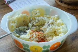 Kartoffel-Schichtkäse-Füllung für polnische Piroggen