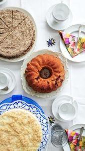 Zitronenkuchen mit Buttermilch und Erdbeeren » Leckerer Frühlingskuchen