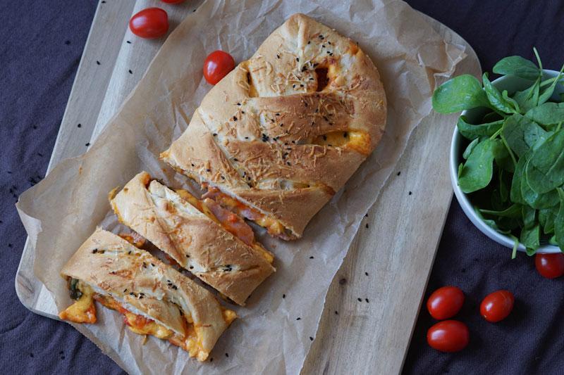 Stromboli Pizza gerollt