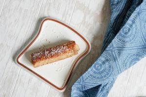 French Toast Rolle mit Kokosraspeln vegan