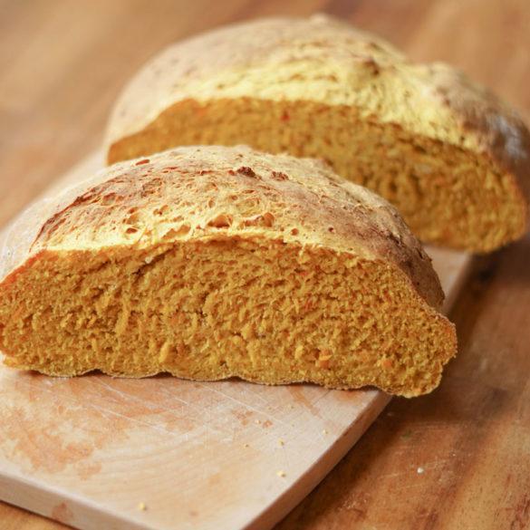Brot mit Kürbispüree » einfaches Herbstbrot backen