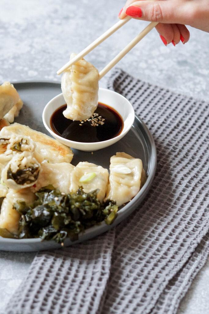 Wakame-Gyoza » Japanische Teigtaschen mit veganer Füllung