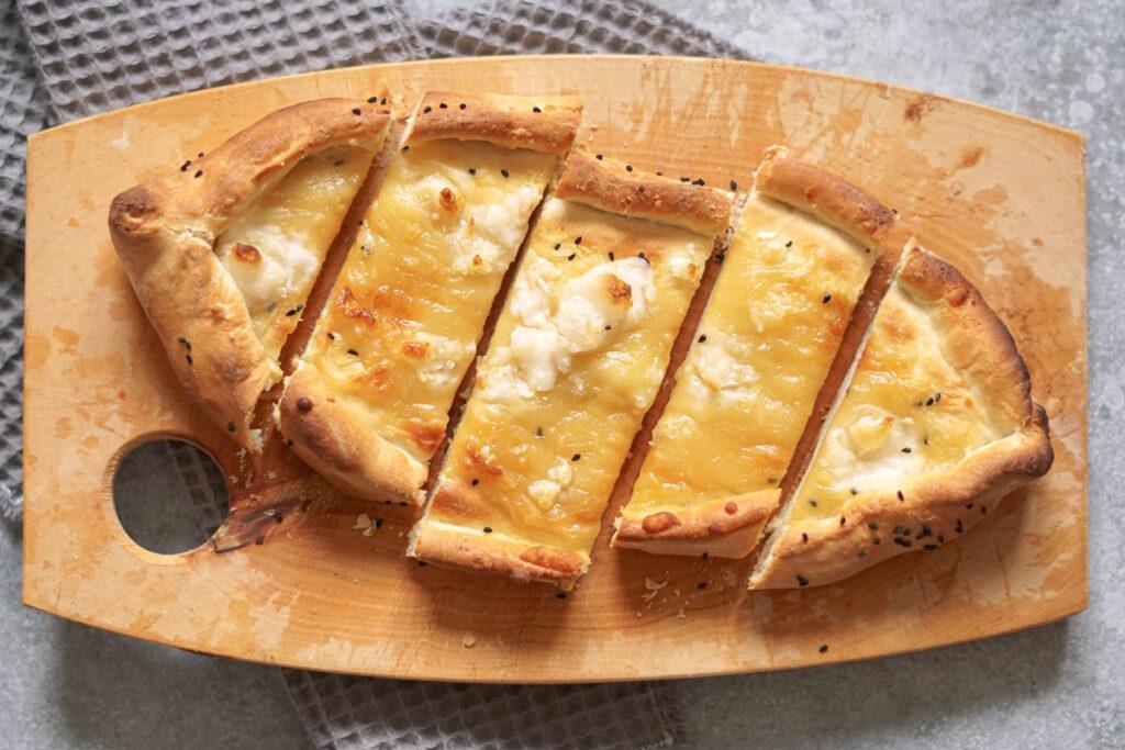 Vegane Pide mit Käse selber machen