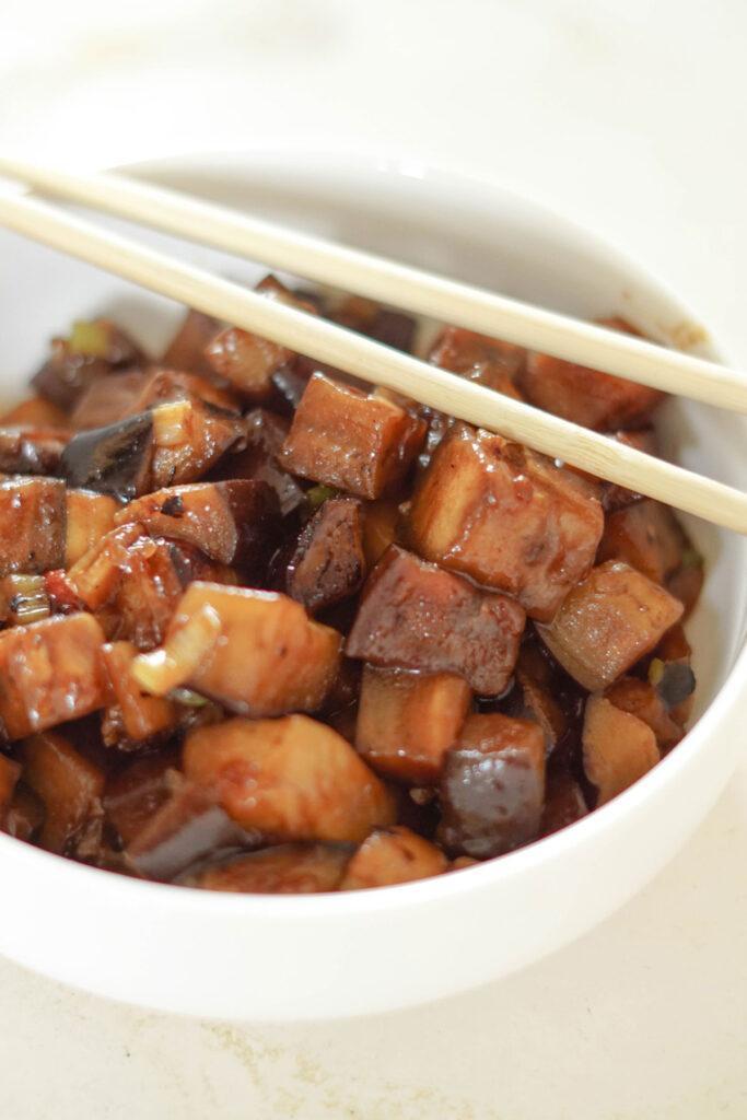 Aubergine nach Sichuan Art: scharfes Auberginenrezept aus China