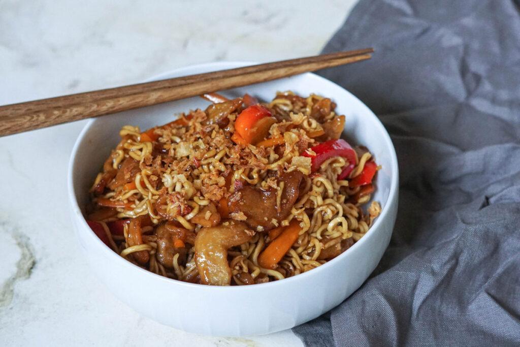 """Veganes """"mongolisches Rindfleisch"""" mit Pulled Soja"""
