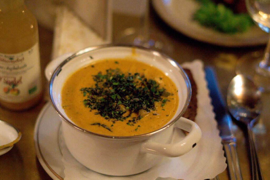 Essen im Rodenhaus Braunlage: Gemüseeintopf mit Kokosmilch und Curry